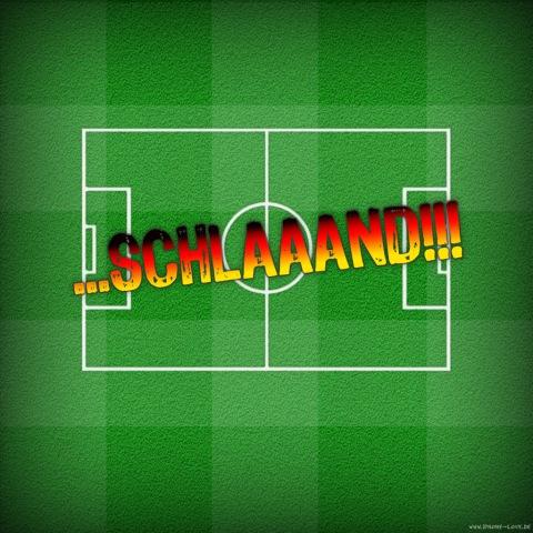 """Das Fußballfeld """"...Schlaaand!!!"""" für's iPad gerhört während der WM einfach auf das iPad."""