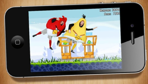 Die Angry Birds Kostüm-Initiatoren in Szene gesetzt